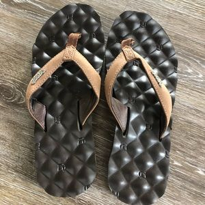 Reef sandals size 7. Never worn